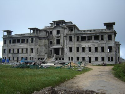 Above: Hotel on Bokor Hill.