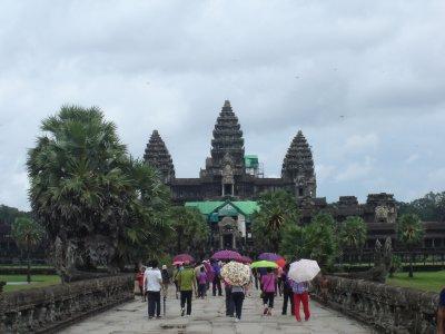 Above: Rainy season and still there are many tourists.