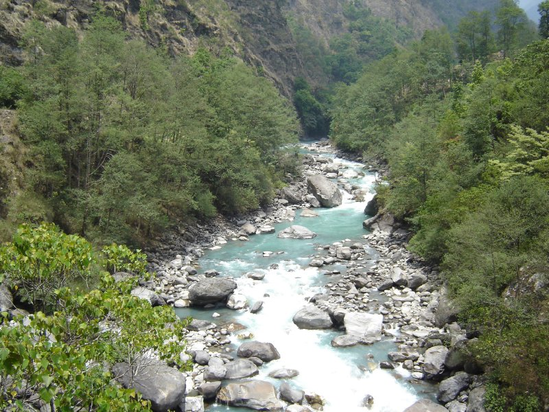 Above: The Dudh Khosi river. We would be following this river up the valley to Namche Bazaar for the next few days.