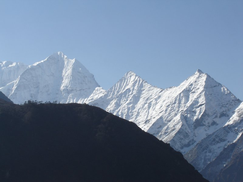 Above: Thamserku seen from the trail just outside of Namche.