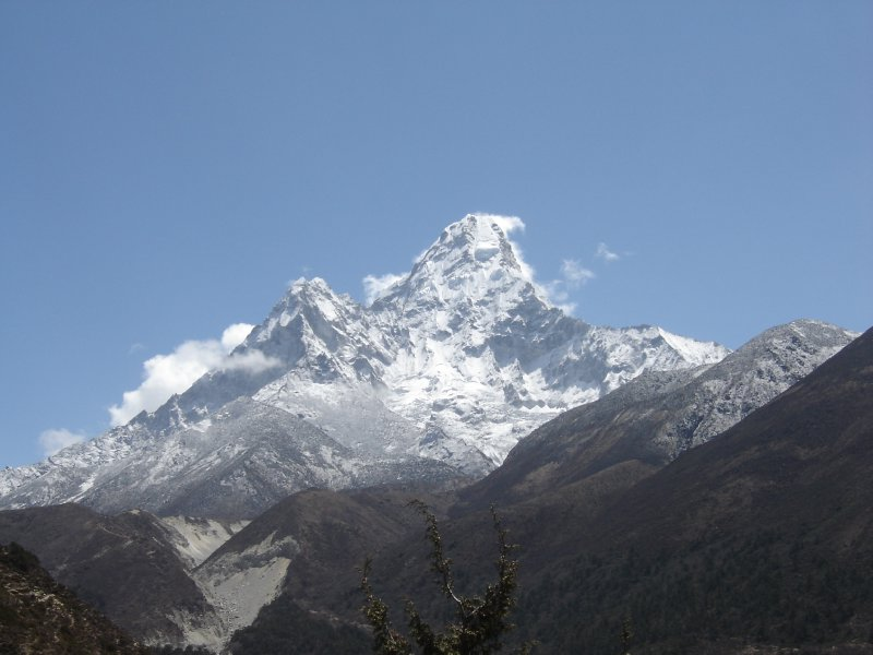 Above: The impressive Ama Dablam seen from the south-west.