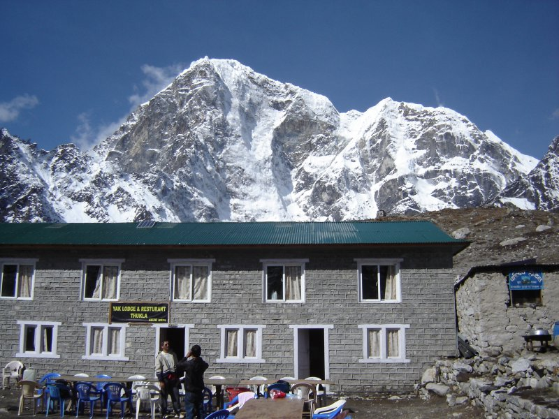 Above: The lodge in Dughla with Tabuche (6367m) in the background.