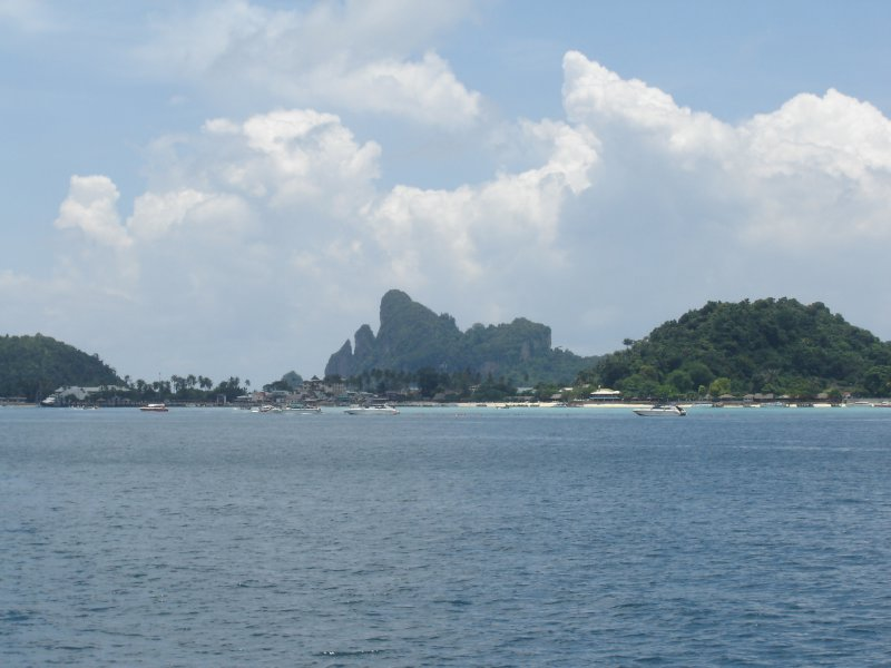 Above: Arriving at Ton Sai Bay, Phi-Phi.