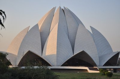 the unique & famous Lotus Temple in New Delhi.