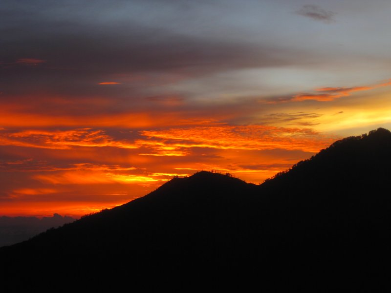large_volcano_sunrise.jpg