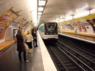 Paris_metro_-_Billancourt_-_4