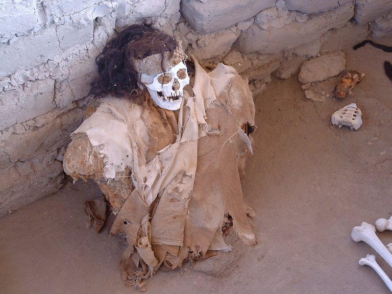 Mummies at Nazca cemetary