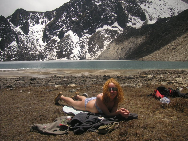 sunbaths near Gokyo lake (5000 m high)