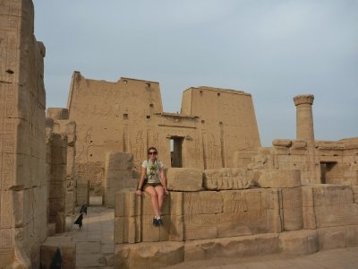 Hanging out in Edfu