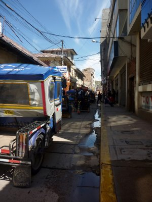 Street race through Puno
