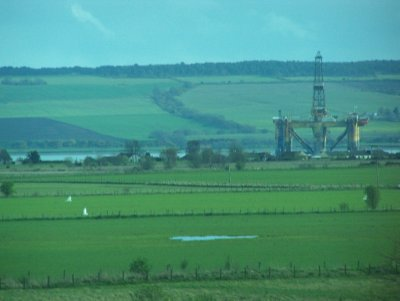 Oil rig in the Cromaity Firth
