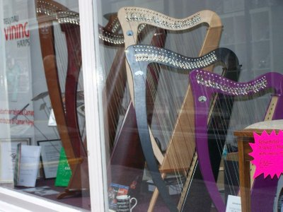 Harp shop in one of Cardiff's Arcades