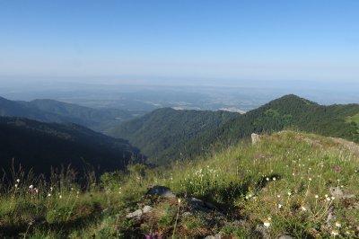 Invisible boundaries - Azerbaijan to the left, Georgia to the right