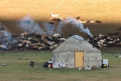 The nomadic lifestyle, Song Kul