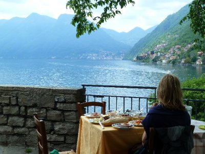 Island lunch on lake Como