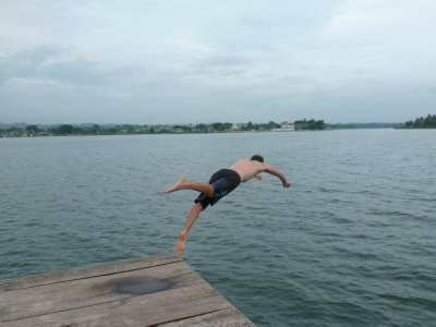 Pier jumping, Flores 3