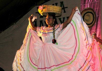 folklore dancer