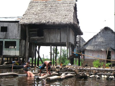 floating houses in Iquitos/Peru