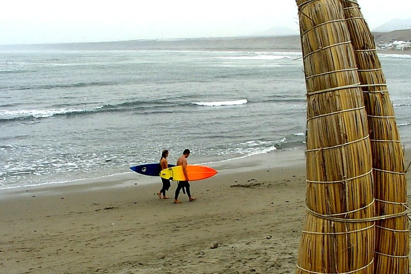 surfing in Huanchaco/Peru