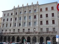 Trieste_-_..a_banka.jpg