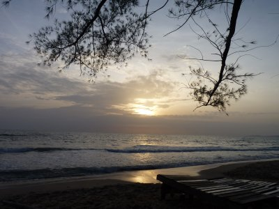 Sunset at Long Beach - this part of the beach is just 20 meters from our bungalow