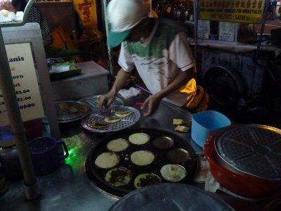 Cooking Roti Kanis