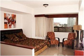 SUITES JARDIN IMPERIAL Hotel Room