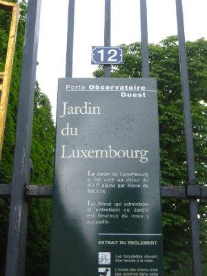 took photo when leaving Jardin/Palais de Luxembourg