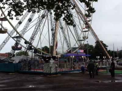 walking around zurich - i rode that ferris wheel!
