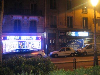 near moulin rouge