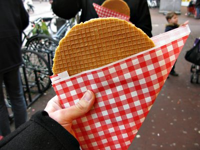 a picture of someone else's stroopwafel that i got off the interwebs