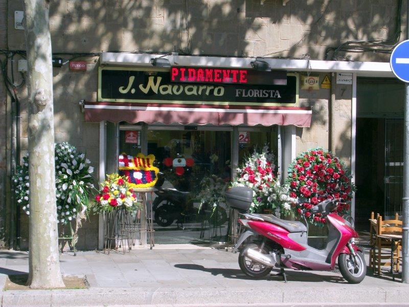 Espanha, Barcelona - Florista no Carrer Sancho de Avila