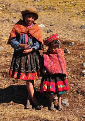 Kids in the Lares Valley