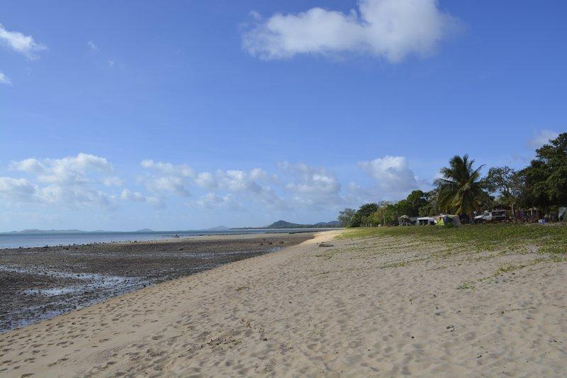 large_16_Loyalty_Beach_Beach.jpg