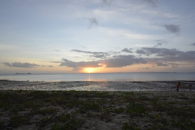 large_19_Loyalty_Beach_Sunset.jpg