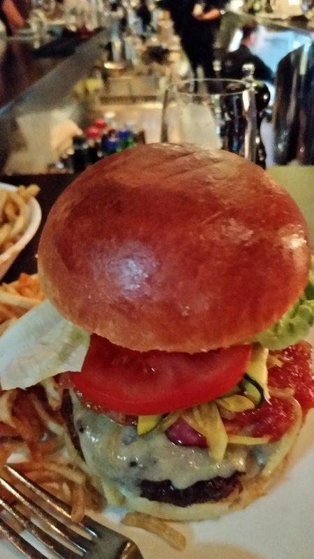 large_1_Burger.jpg