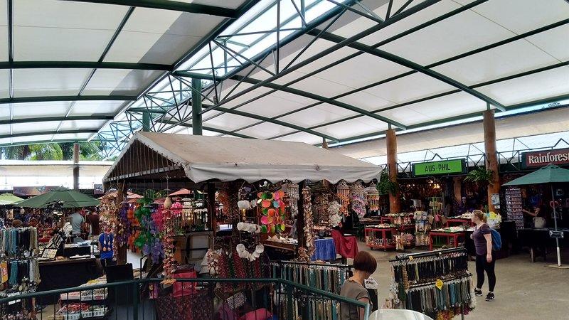 large_29_Kuranda_Market.jpg
