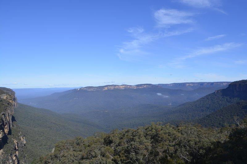 large_Blue_Mountains_2.jpg