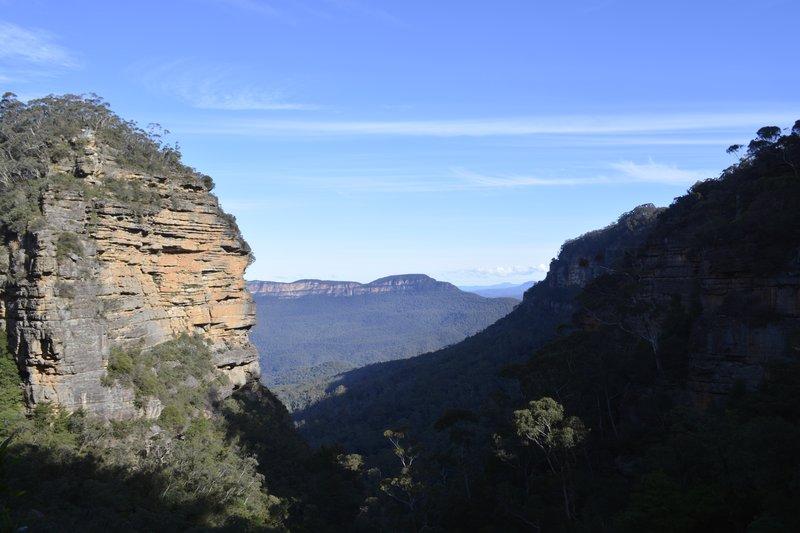 large_Blue_Mountains_8.jpg