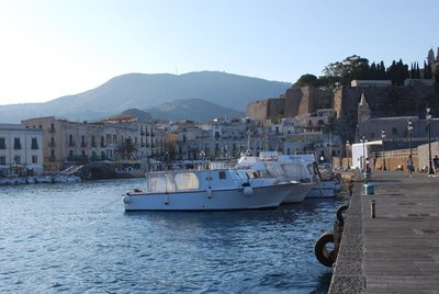 Lipari's cleverly named 'small harbour'