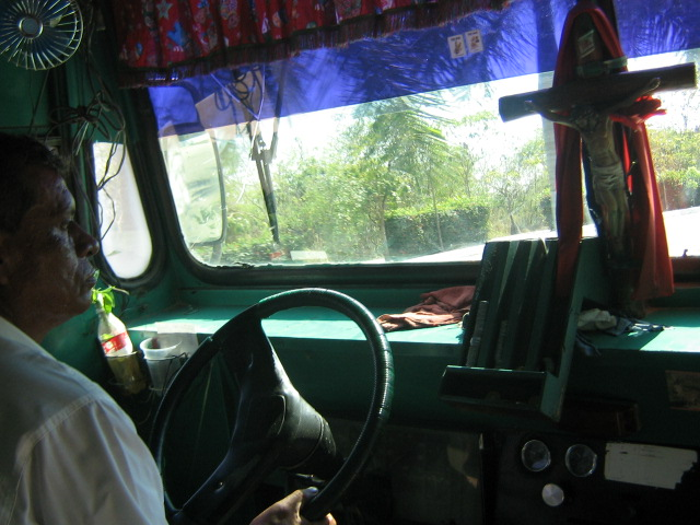 bus to ixtapa from zihua