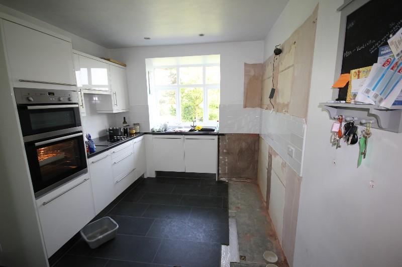 Work kitchen 1