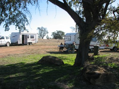 2012 July 21 Free Campsite at Rosehill near Surat