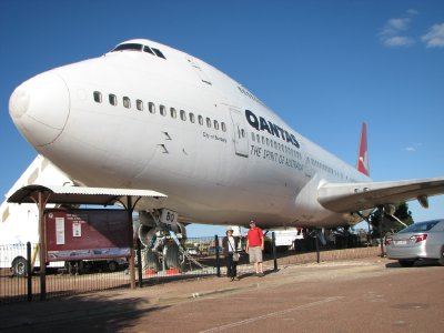 2012 July 27 Bob and Hiroe with 747 at Longreach
