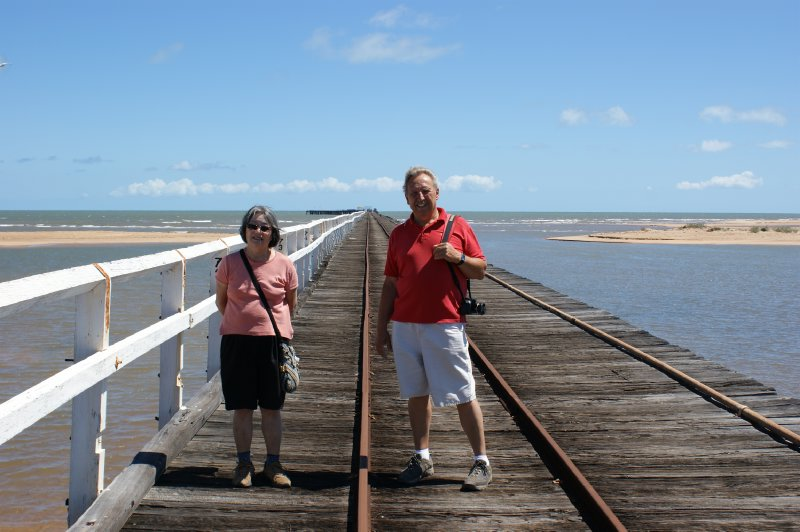 2012 Sep 20 Hiroe and Bob on Carnarvon Jetty 1