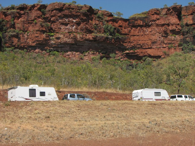 caravans and Victoria Highway scene