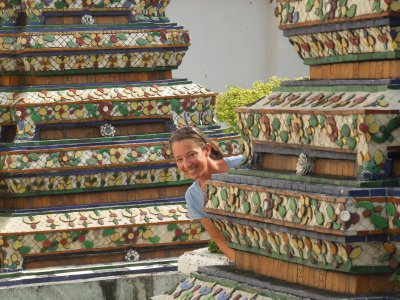 Hide and seek in Wat Pho