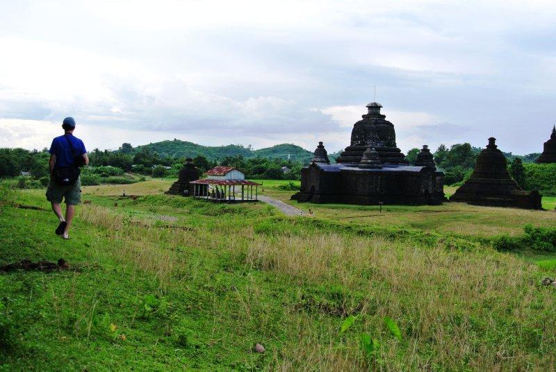 large_Lay-Myut-Nha_temple.jpg