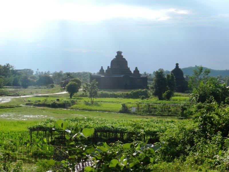 large_Lay-Myut-Nha_temple3.jpg