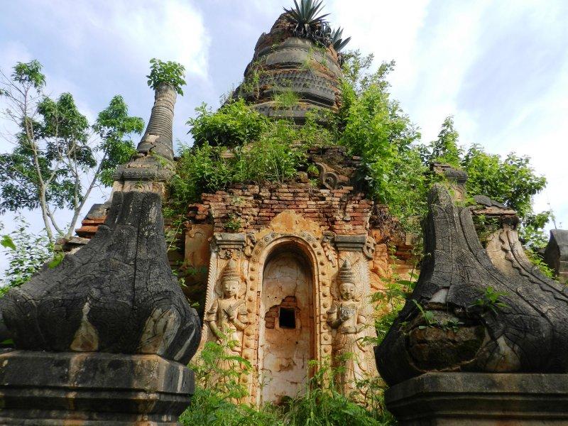large_stupa.jpg